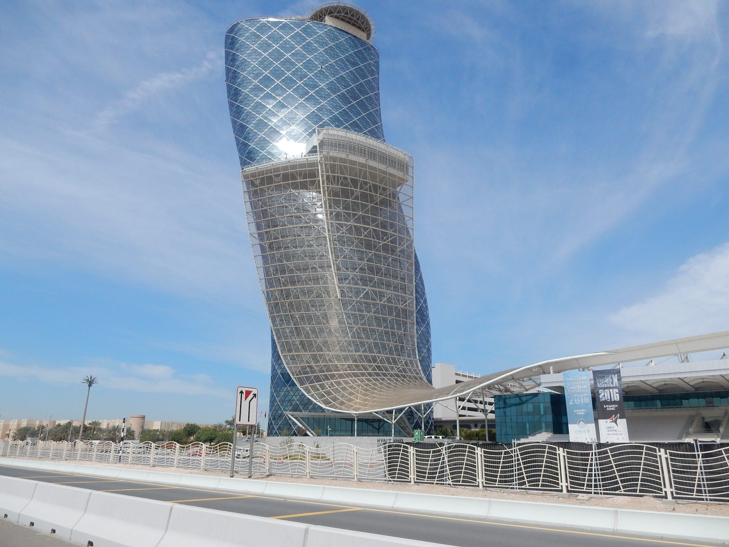 Das Tor zu Abu Dhabi - Capital Gate